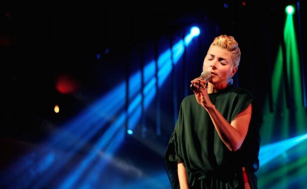 Ely en su shows en Vivo 2013