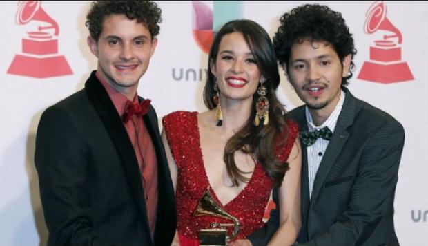 """Monsieur Periné se alza con el Premio Grammy Latino en la categoría """"Mejor Artista Nuevo"""""""